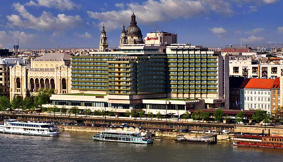 quat rosenberg trong marriott hotel