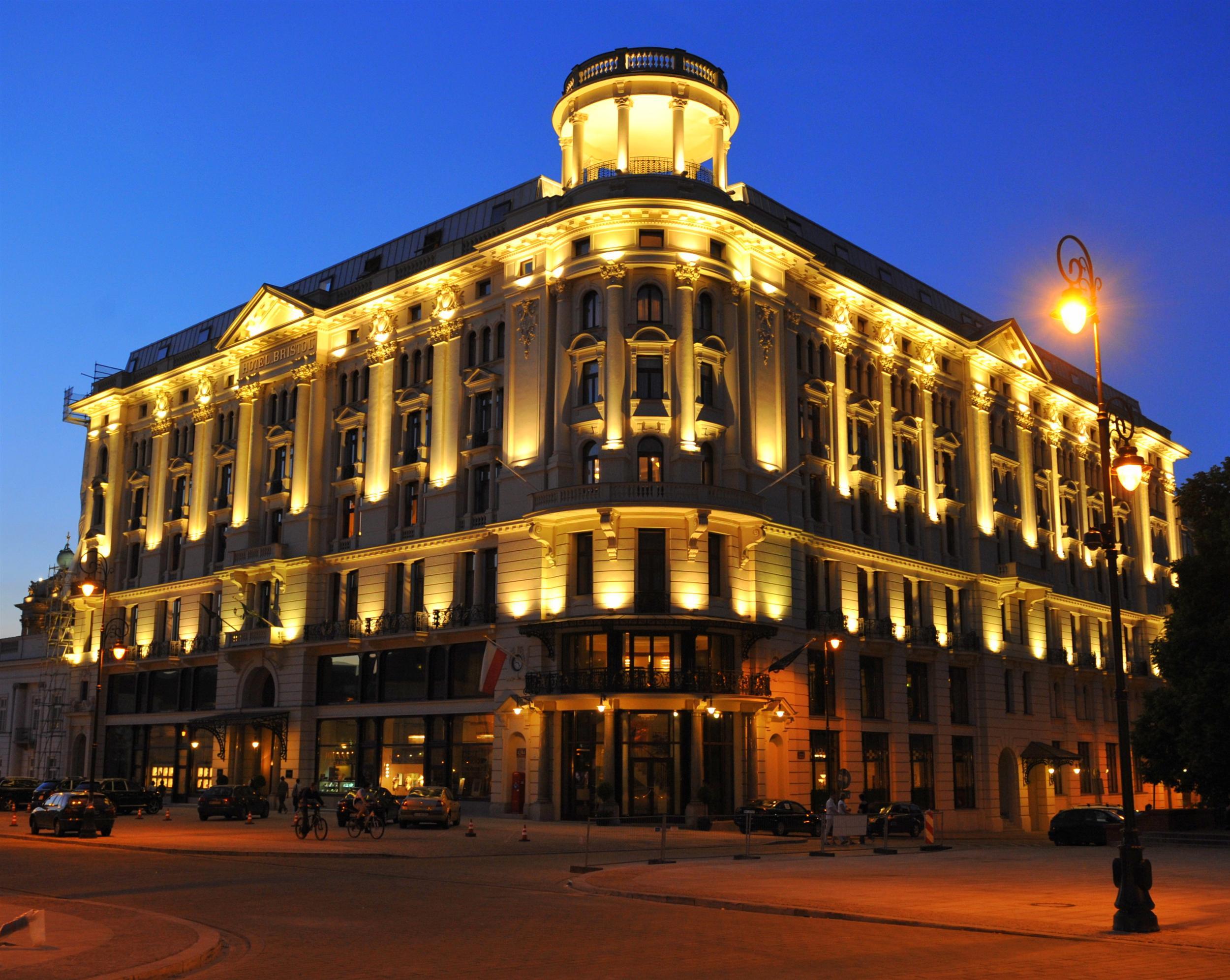 quat rosenberg trong bristol hotel